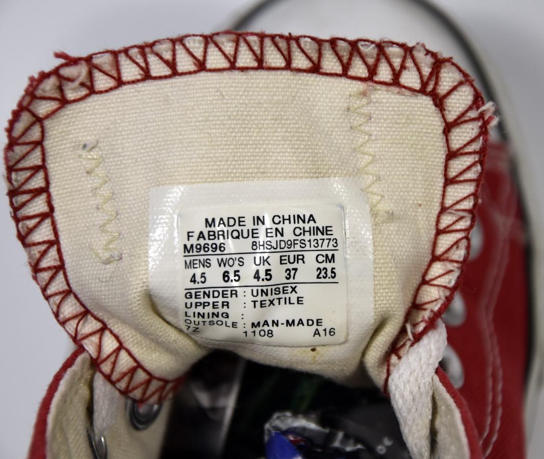 72dc616e8b0de Converse basses rouge chuck taylor core ox - très bon état voir photos juste  semelle un peu salie - le 37 correspond à un 38. div